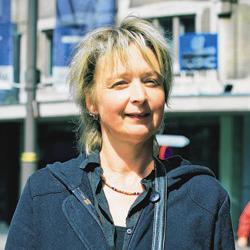 Greet Smets (38) verdient ongeveer 800 euro per maand.