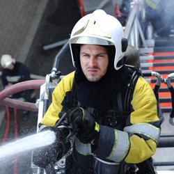 Stan Van Samang als brandweerman