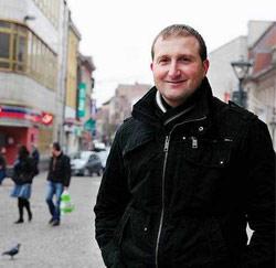 Yves Segers (37) uit Haaltert, zanger