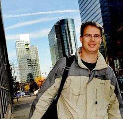 Koen Van Turnhout uit Gistel, luchtvaart support engineer