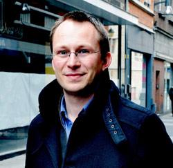 Tom Hofman, expert overheidsopdrachten uit Berlaar