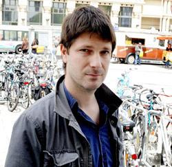 Dieter Bossu uit Gent is muzikant-componist, acteur en regisseur