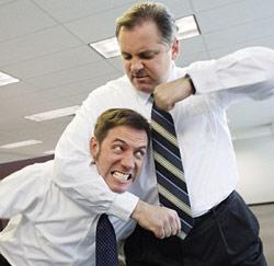 vechten op bureau