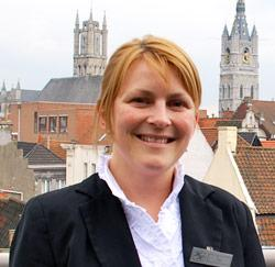 Evi Desmedt, receptioniste in hotel Harmony in Gent