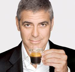 George Clooney drinkt Nespresso