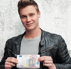 Jong afgestudeerde met 50 euro