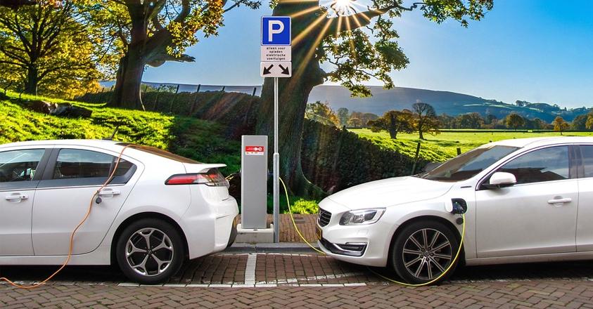 une voiture de société électrique