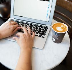 werken in een koffiebar