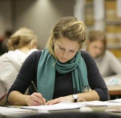 meisje studeert