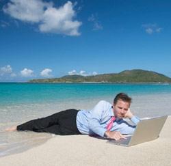 Continuer à travailler durant ses congés serait bon pour la santé