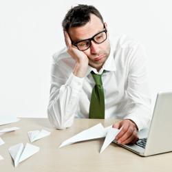 1 travailleur sur 4 s ennuie au bureau. Black Bedroom Furniture Sets. Home Design Ideas